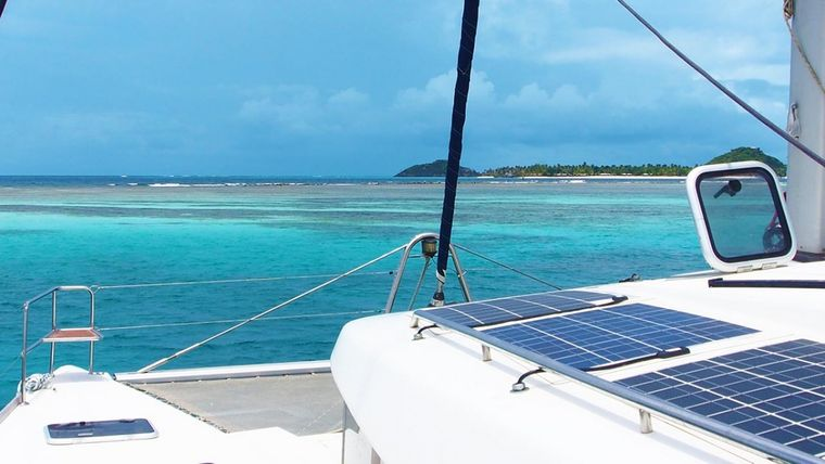 FRENK Yacht Charter - Foredeck and bows