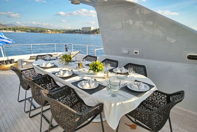 OBSESION 120 Yacht Charter - Sundeck Dining