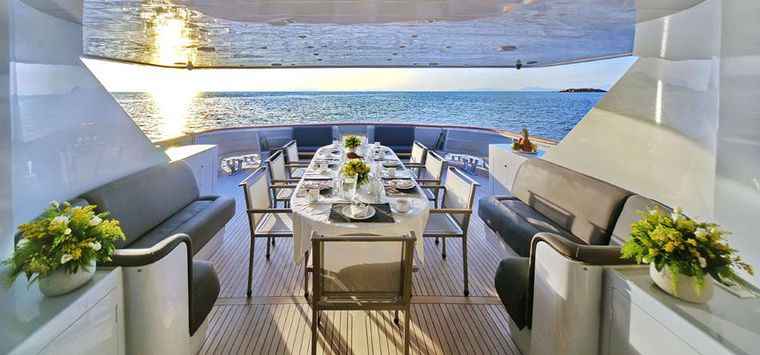 OBSESION 120 Yacht Charter - Aftdining