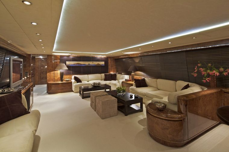 OBSESION 120 Yacht Charter - Saloon