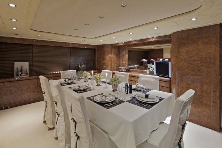 OBSESION 120 Yacht Charter - Dining area