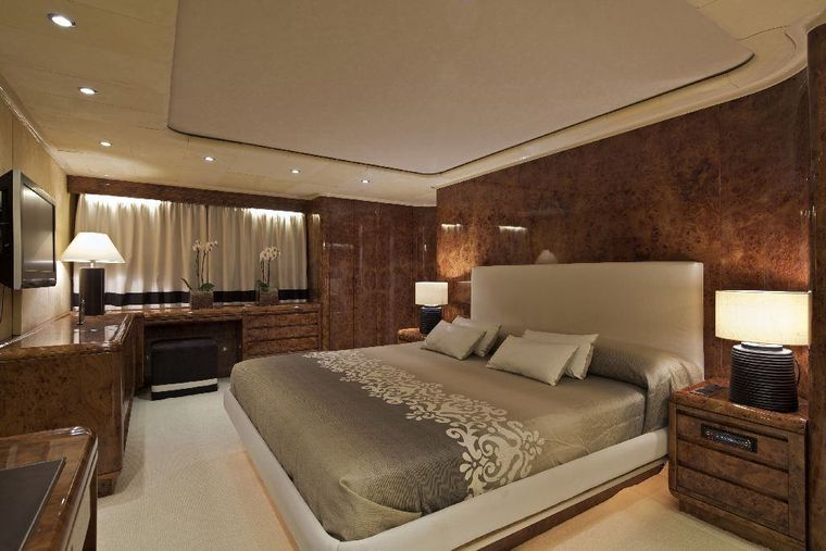 OBSESION 120 Yacht Charter - Master cabin