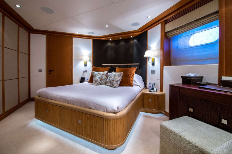 SIROCCO Yacht Charter - guest cabin