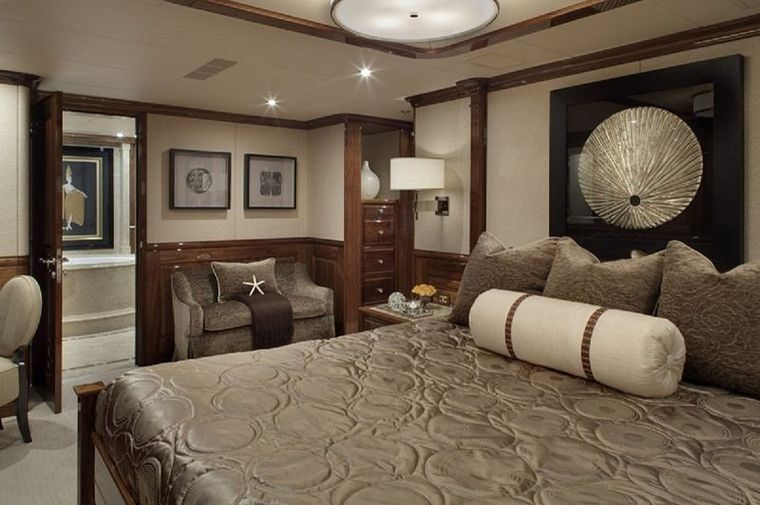 REMEMBER WHEN Yacht Charter - VIP Stateroom