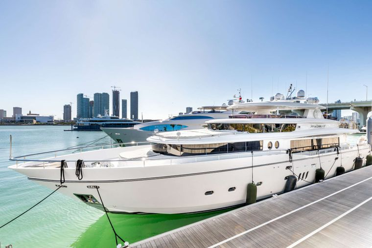 JULIA DOROTHY Yacht Charter - At the dock