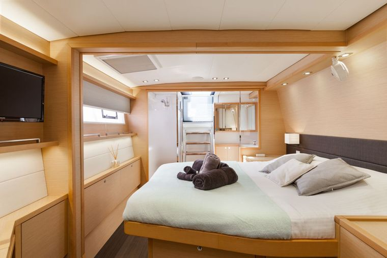DADDY'S HOBBY Yacht Charter - Starboard Aft Master Cabin has direct access