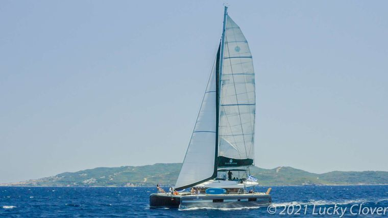 LUCKY CLOVER Yacht Charter - Ritzy Charters