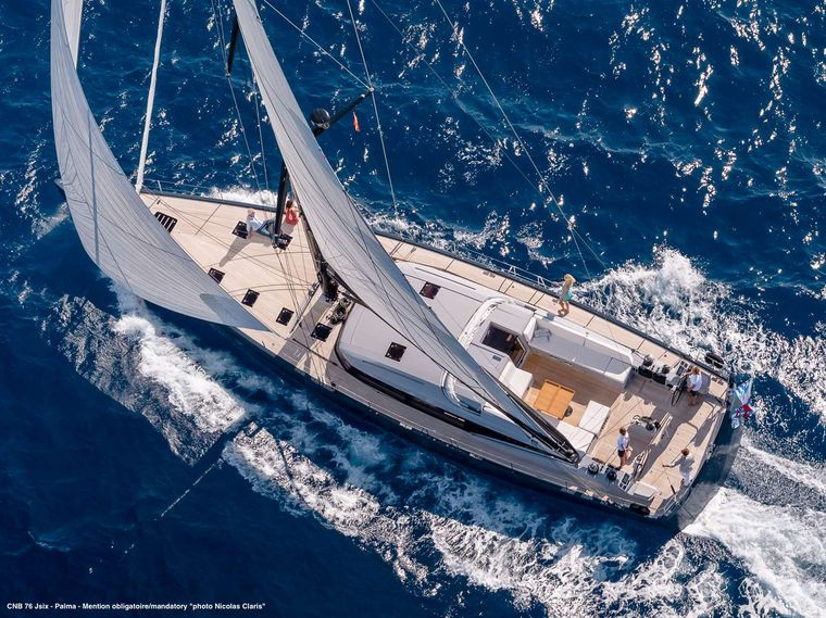J SIX Yacht Charter - Sailing overview