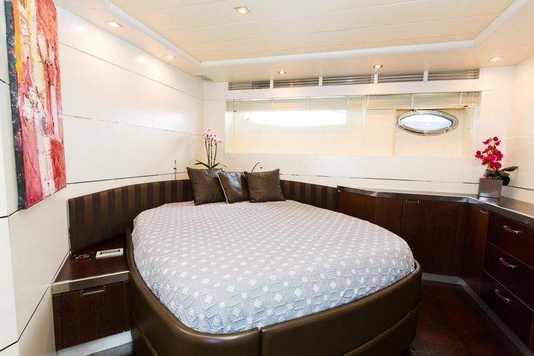 CINQUE Yacht Charter - Master Cabin
