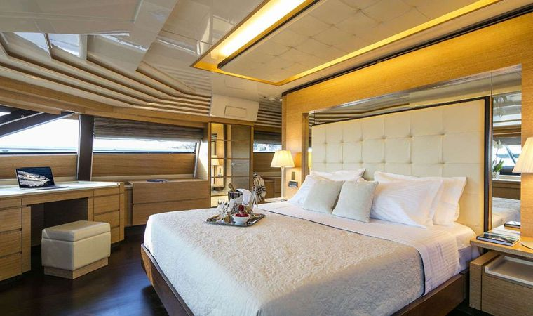 RINI Yacht Charter - Master Suite