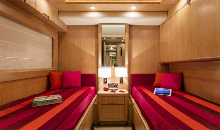 MYTHOS Yacht Charter - Twin Stateroom