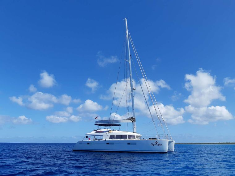 TIGER LILY Yacht Charter - Ritzy Charters