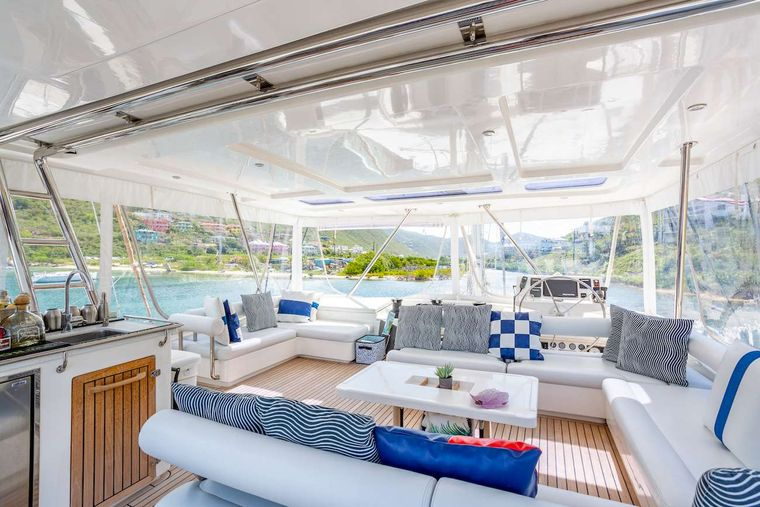 THE ANNEX Yacht Charter - Flybridge helma dn lounging area