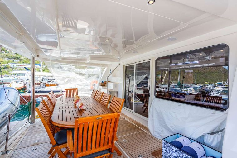 THE ANNEX Yacht Charter - Aft cockpit and alfresco dining area