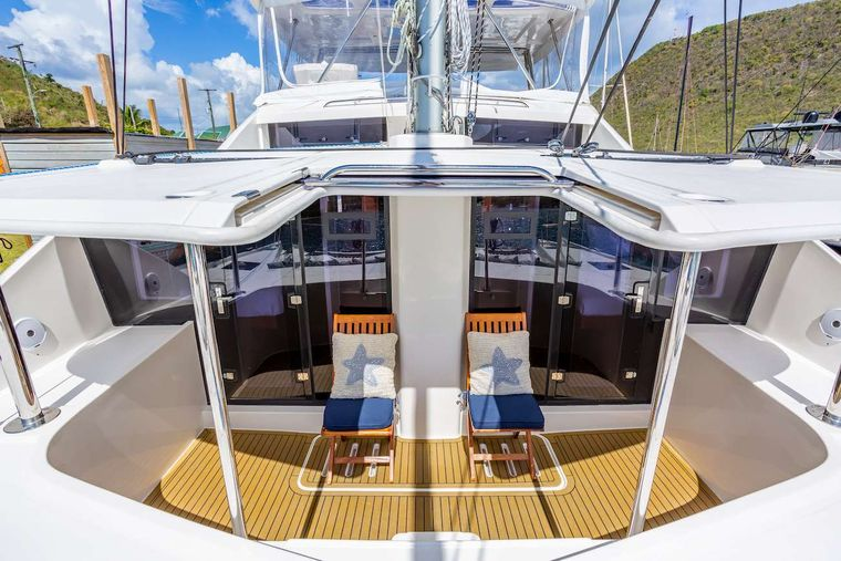 THE ANNEX Yacht Charter - The forward lounging cockpit