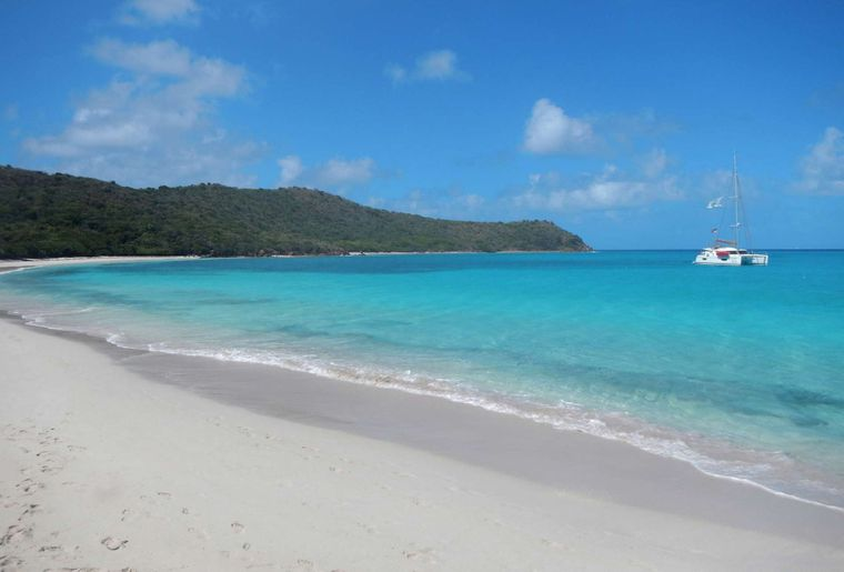 ALLENDE Yacht Charter - Allende at Prickley Pear