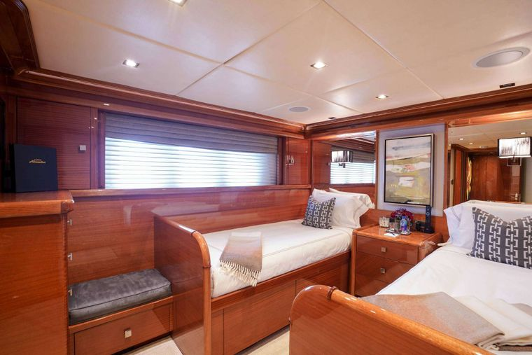 ASPEN ALTERNATIVE Yacht Charter - Twin Guest Stateroom