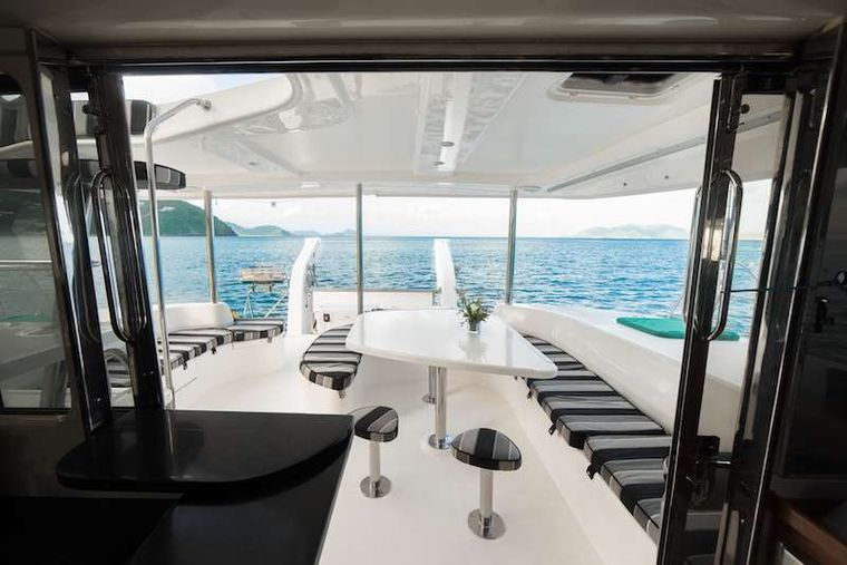 ISLAND R&R Yacht Charter - Great sailingFrom Salon to Cockpit aboard Island R&R