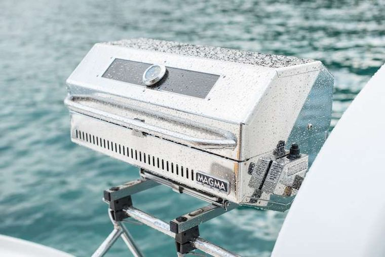 ISLAND R&R Yacht Charter - Tasty Dinners on the Grill