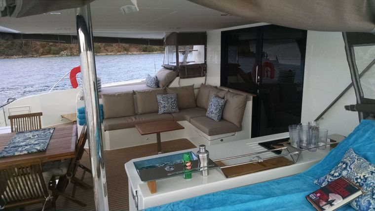 PORT TO VINO Yacht Charter - Cockpit seating area