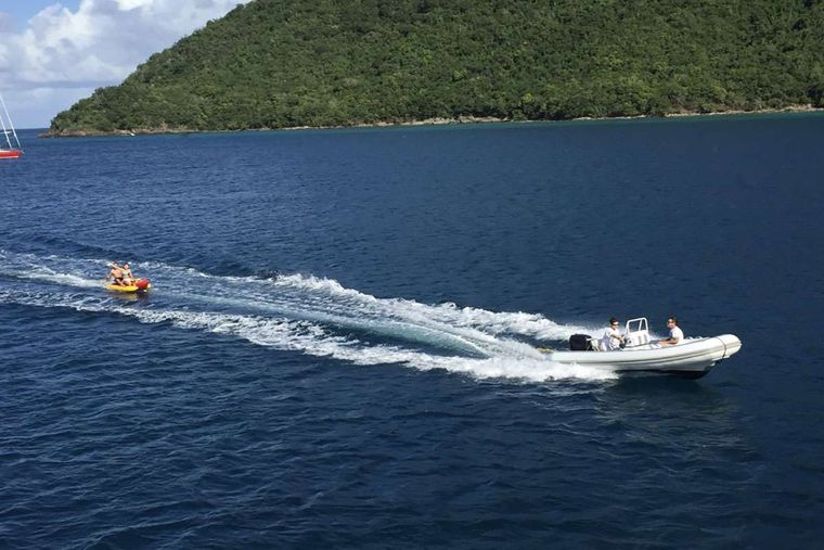 """SUITE LIFE Yacht Charter - """"The Butler"""" 15' center console w/ 70hp to bring you ashore!"""