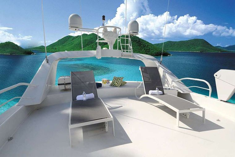 SUITE LIFE Yacht Charter - Upper Deck Lounge Area