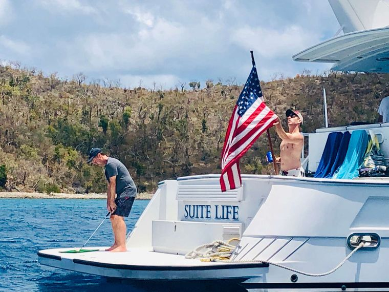 SUITE LIFE Yacht Charter - Aft area offers all kinds of fun activities, incl. golf!