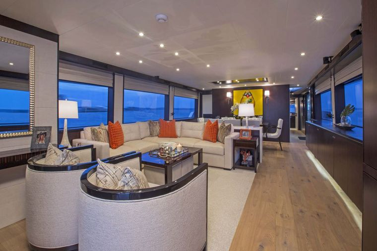LADY CARMEN Yacht Charter - Main Salon