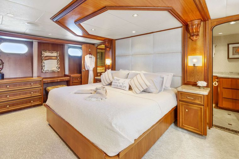 IL CAPO Yacht Charter - Master Stateroom