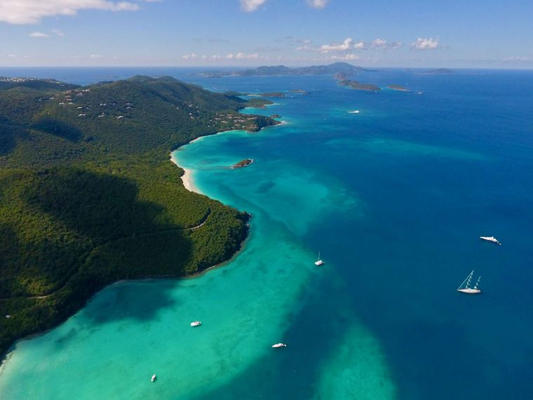 MUCHO GUSTO Yacht Charter - Explore the Endless beaches