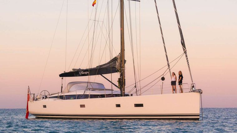 CNB76 Yacht Charter - Ritzy Charters
