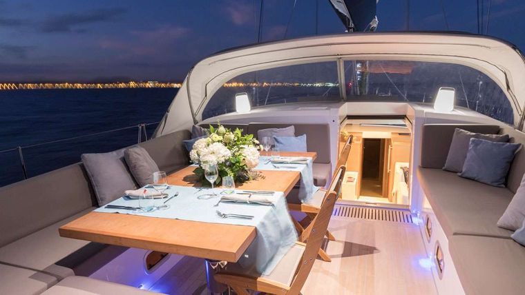 CNB76 Yacht Charter - Bunk Cabins with double bed pulled out