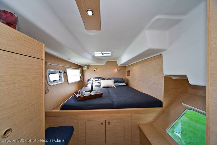 HARMONY Yacht Charter - Primary Cabin