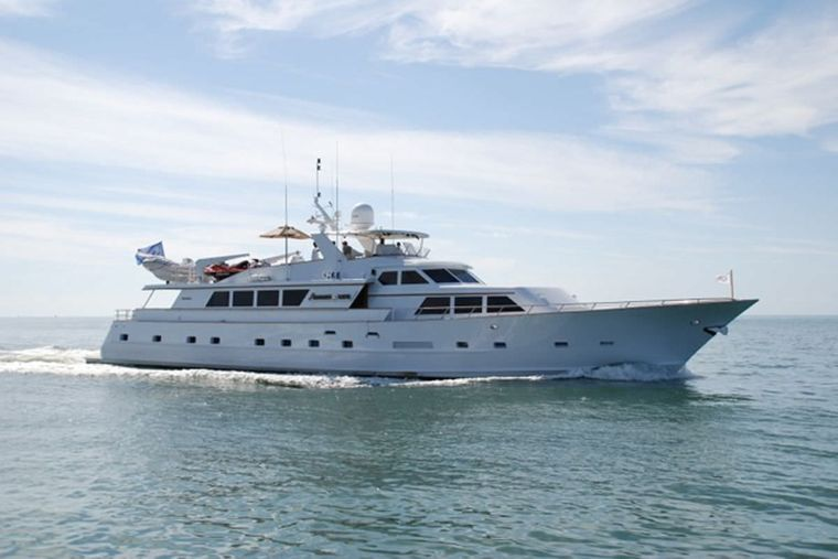 PURE KNIGHT LIFE Yacht Charter - Ritzy Charters