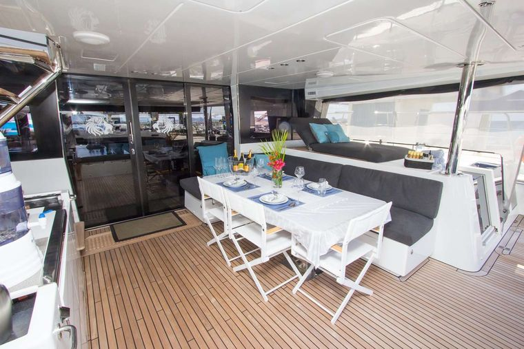 JAN'S FELION Yacht Charter - Spacious alfresco dining