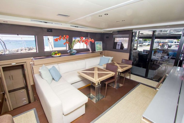 JAN'S FELION Yacht Charter - Main salon of JANS FELION