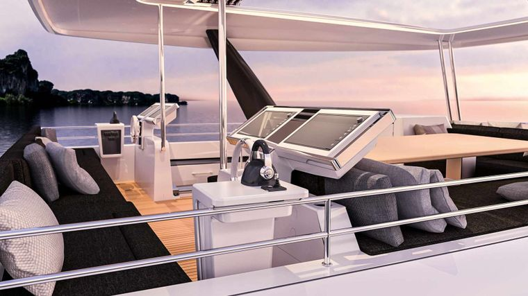 JAN'S FELION Yacht Charter - The flybridge and helm stations