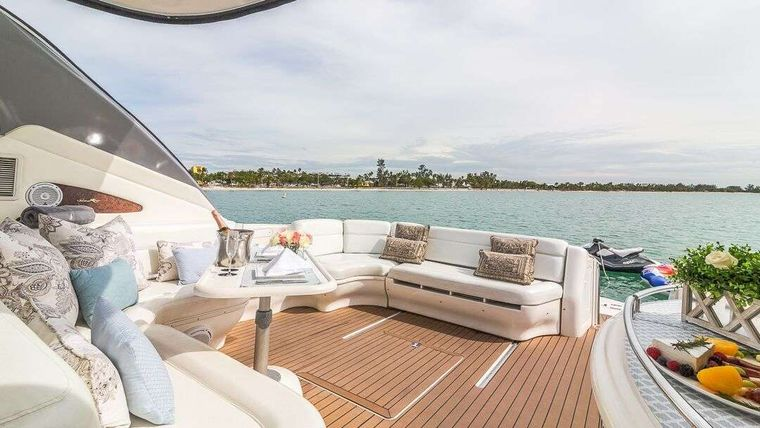 WHY NOT Yacht Charter - Anchored out