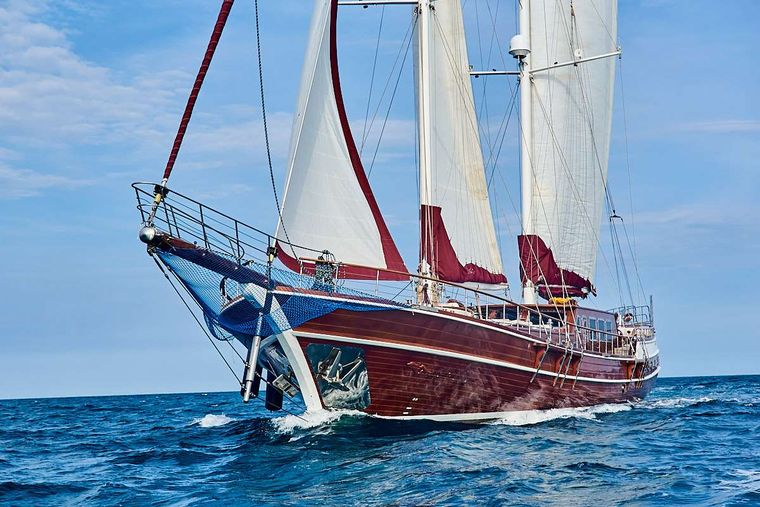 QUEEN OF KARIA Yacht Charter - Ritzy Charters