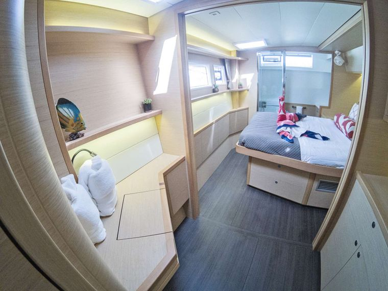SOUTHERN COMFORT Yacht Charter - Master Cabin