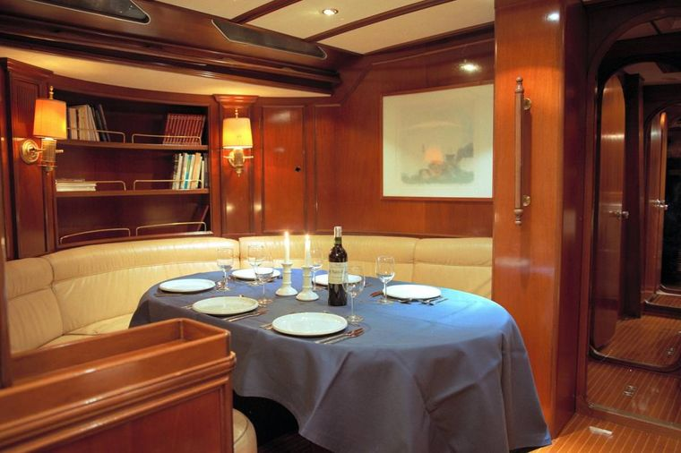 ICHIBAN Yacht Charter - Table set for three course dinner