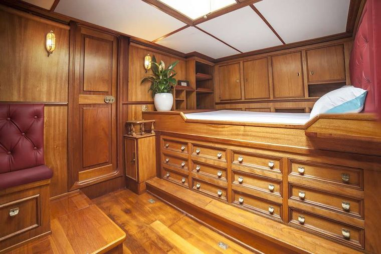 BLACK SWAN Yacht Charter - Aft cabin - provisional photo