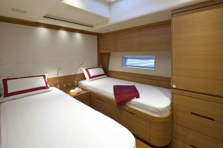 THALIMA Yacht Charter - One of the 2 twin cabins