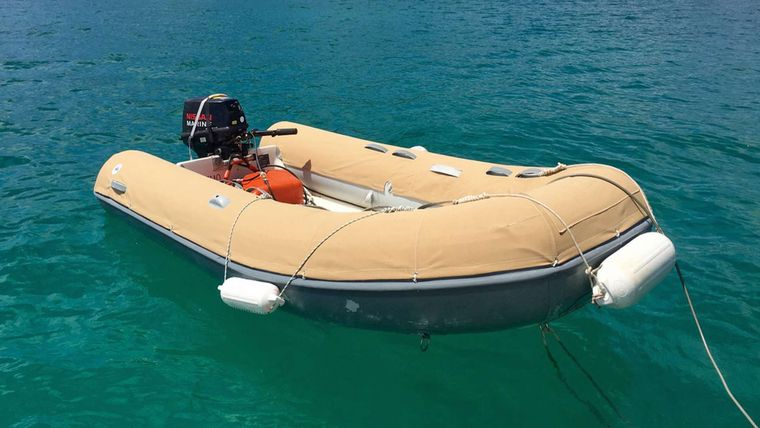 NEMO SY Yacht Charter - Dory the Dinghy