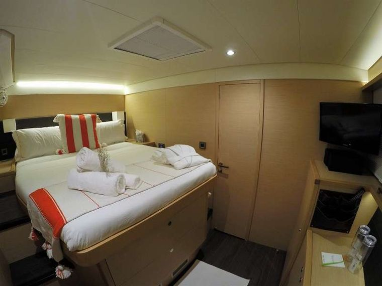 BAGHEERA L620 Yacht Charter - All cabins are ensuite with head and shower.