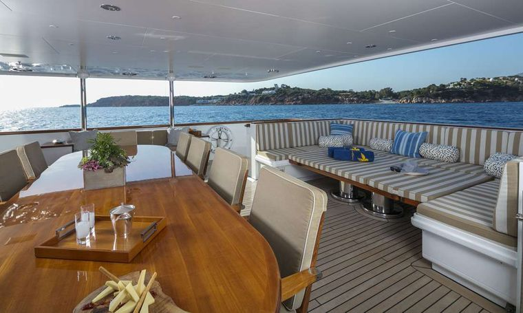 PEGASUS Yacht Charter - Dining table