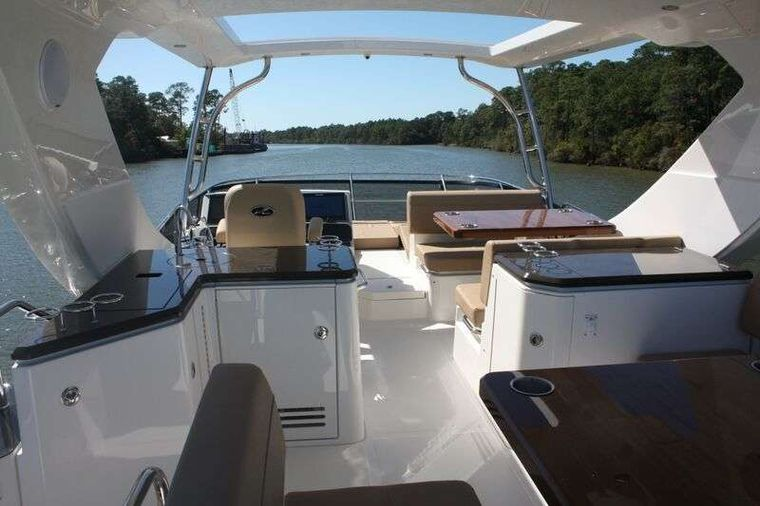 INCOGNITO  62 Yacht Charter - Flybridge