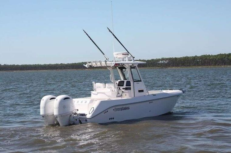INCOGNITO  62 Yacht Charter - Everglades