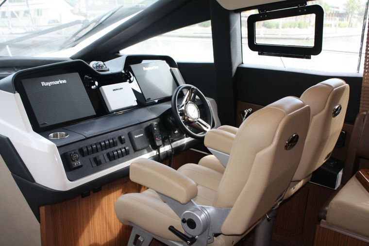 INCOGNITO  62 Yacht Charter - Pilothouse