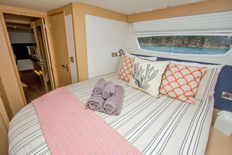 NENNE Yacht Charter - Guest Cabin